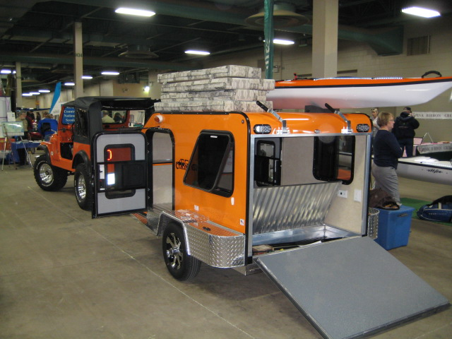 Converting Enclosed Trailer Into Toy Hauler Camper – Wow Blog